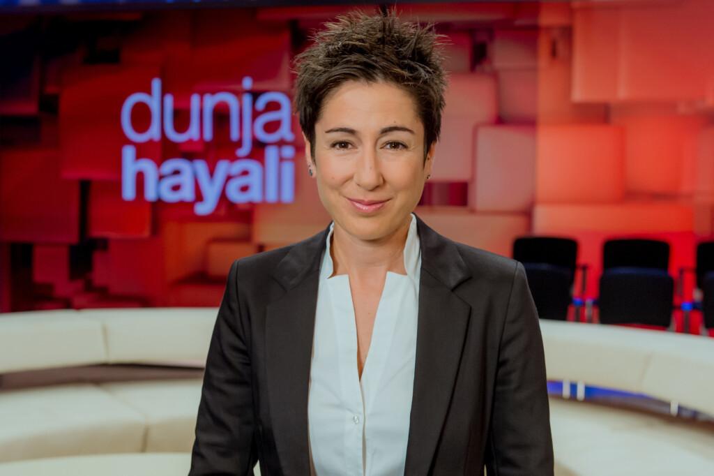 Nach zwei erfolgreichen Staffeln startet das ZDF-Talkmagazin mit Moderatorin Dunja Hayali auf einem neuen Sendeplatz und mit neuem Titel in die dritte Runde.