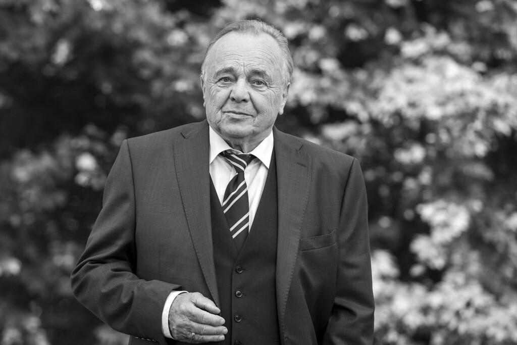 Prof. Dr. Gernot Simoni (Dieter Bellmann)