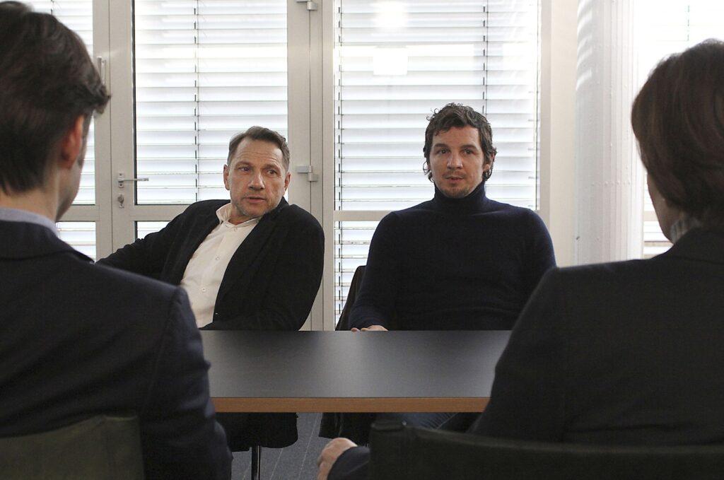 Thorsten Lannert (Richy Müller) und Sebastian Bootz (Felix Klare) bearbeiten einen Fall, in dem ein neuentwickeltes Sicherheitssystem eine Rolle spielt.
